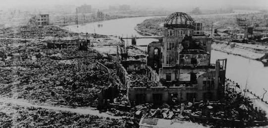長崎・被爆直後の浦上天主堂